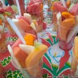 bandeja de frutas cortadas Jardins